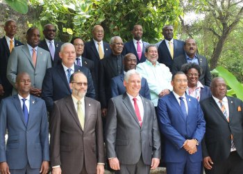 Líderes de la Comunidad del Caribe (Caricom) junto al presidente cubano, Miguel Díaz-Canel (centro-delante), durante la sesión del grupo celebrada en Jamaica en julio de 2018. Foto: today.caricom.org