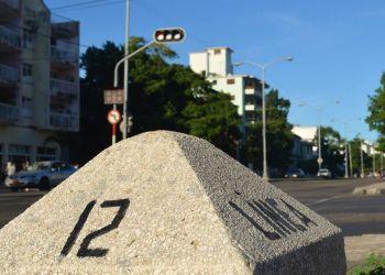 Intersección de las calles 12 y Línea, en La Habana. Foto: Habana por dentro.