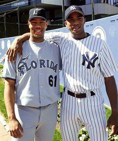 """Liván Hernández (izquierda) con su hermano Orlando """"El Duque"""" Hernández, ya establecidos en Estados Unidos tras salir de Cuba entre 1995 y 1997, respectivamente. Foto: Tomada de Listin Diario"""