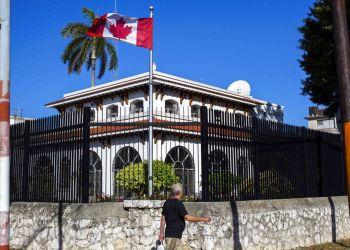 Embajada de Canadá en Cuba. Foto: Desmond Boylan, Archivo AP.