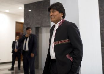 El presidente boliviano Evo Morales asiste a una conferencia de prensa en el Palacio de Gobierno en La Paz, el 2 de octubre de 2018. Foto: Juan Karita / AP.
