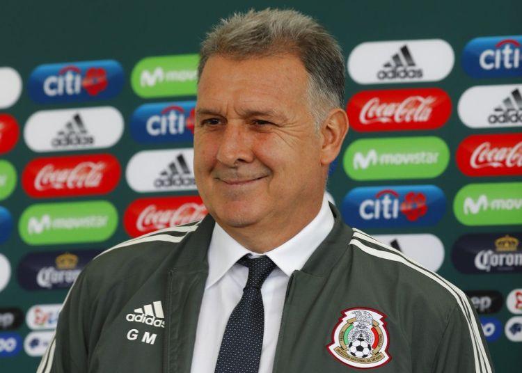 """El argentino Gerardo """"Tata"""" Martino es presentado como el nuevo técnico de la selección mexicana de fútbol, durante una conferencia de prensa en Ciudad de México, el lunes 7 de enero de 2019. Foto: Marco Ugarte / AP."""