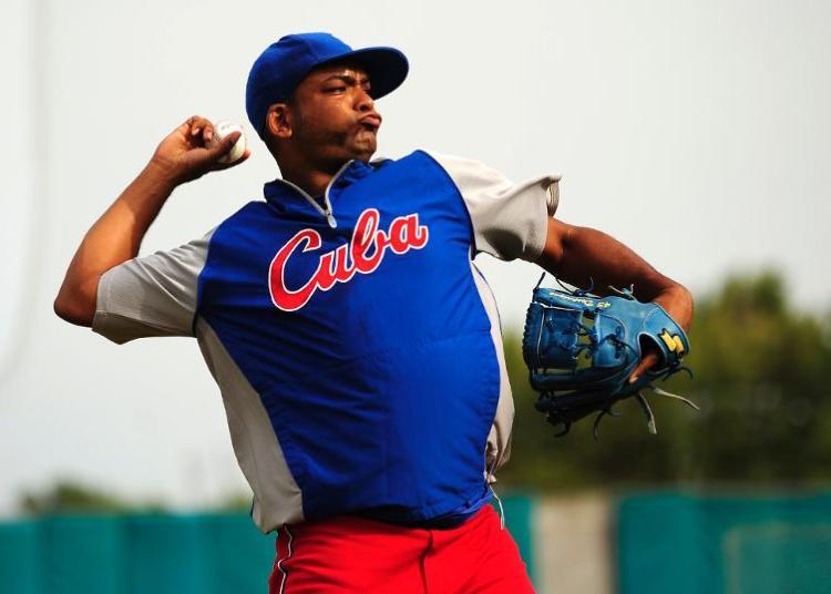 Odrisamer Despaigne es la última pieza de Cuba que han llamado los Rojos de Cincinnati. Foto: AP