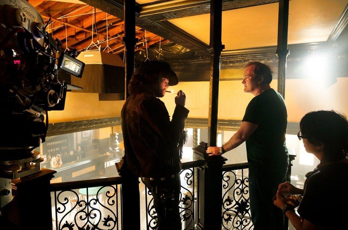 """Tarantino (der) en el rodaje de """"Once Upon a Time in Hollywood"""". Foto: espinof.com."""