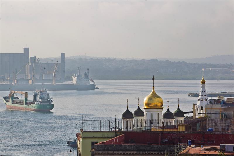 El puerto de La Habana. Foto: Yander Zamora/EFE.