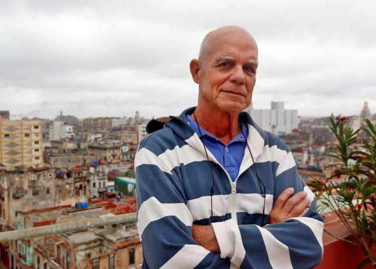 """El periodista y escritor cubano Pedro Juan Gutiérrez, autor de la célebre """"Trilogía sucia de La Habana"""". Foto: Ernesto Mastrascusa / EFE."""