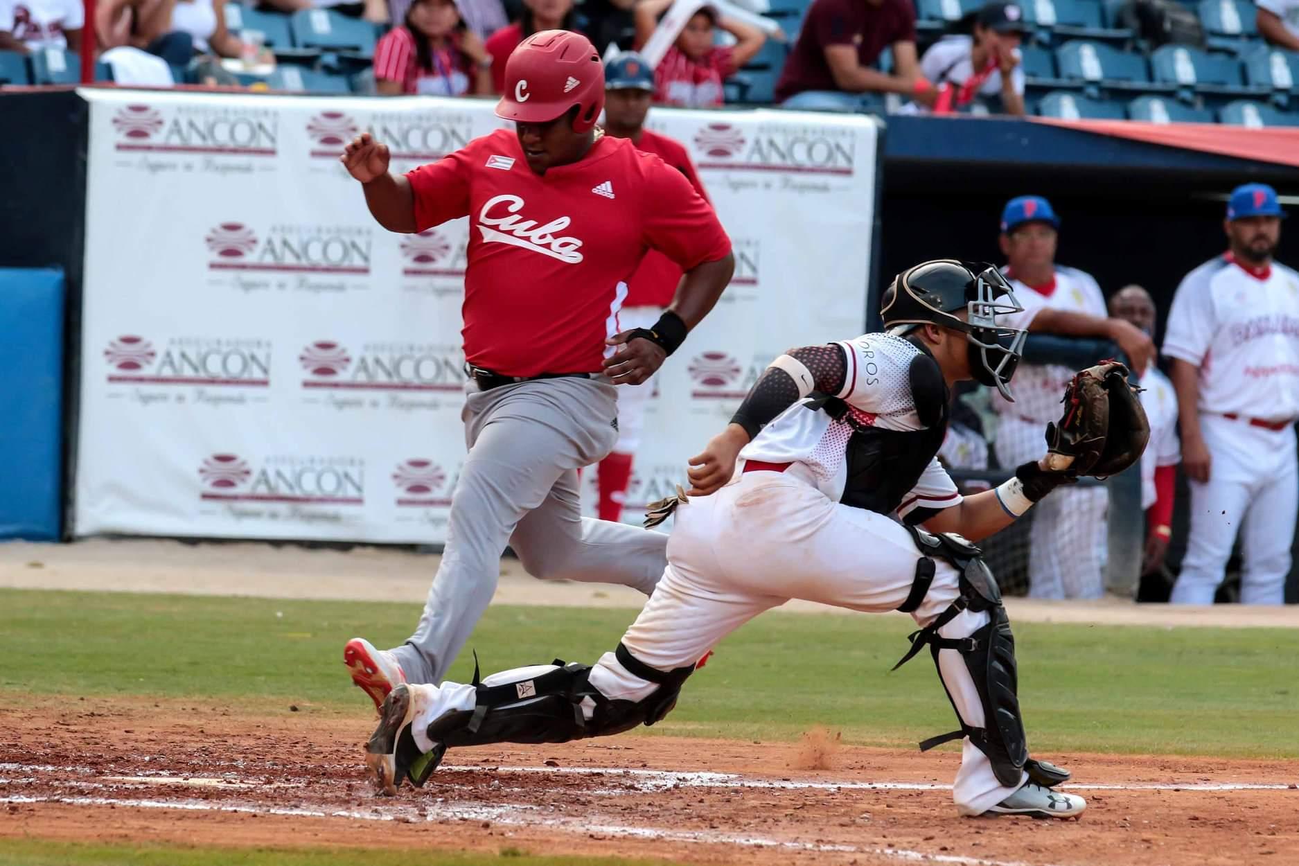 Salvo Alfredo Despaigne, el resto de los bateadores cubanos aportaron muy poco. Foto:Roberto Morejón/JIT