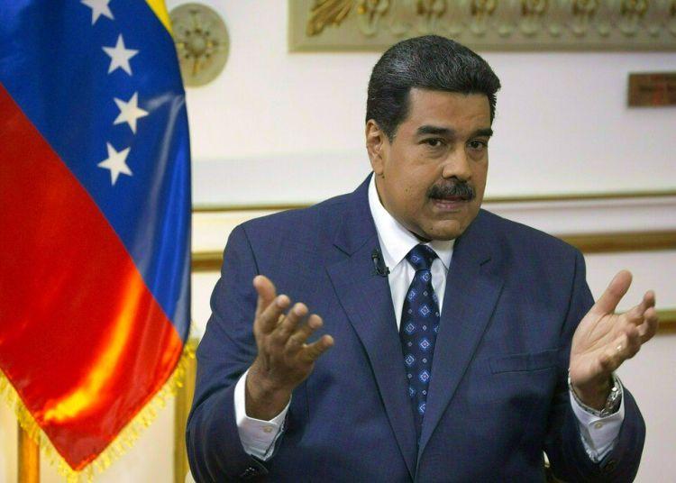 El presidente venezolano, Nicolás Maduro, habla durante una entrevista con The Associated Press en el Palacio de Miraflores en Caracas, Venezuela, el jueves 14 de febrero de 2019. Foto: Ariana Cubillos / AP.