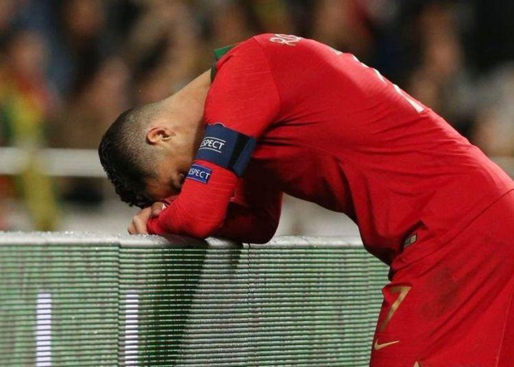Cristiano Ronaldo se lesionó en el partido ante Serbia, en las clasificatorias a la Eurocopa de fútbol de 2020. Foto: pasionfutbol.com