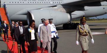 El príncipe Carlos arribño en la tarde dominical a Santa Lucía, primera parada de su gira por el Caribe. Foto: Tomada de Clarence House