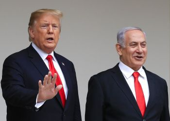 El presidente Donald Trump recibe al primer israelí Benjamin Netanyahu en la Casa Blanca en Washington el lunes 25 de marzo de 2019. (AP Foto/Manuel Balce Ceneta)