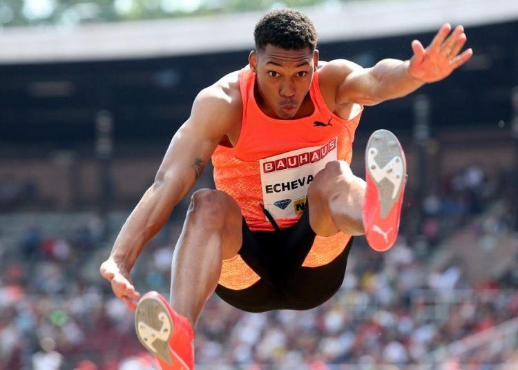 El saltador cubano Juan Miguel Echevarría. Foto: @AthleteSupport / Twitter / Archivo.