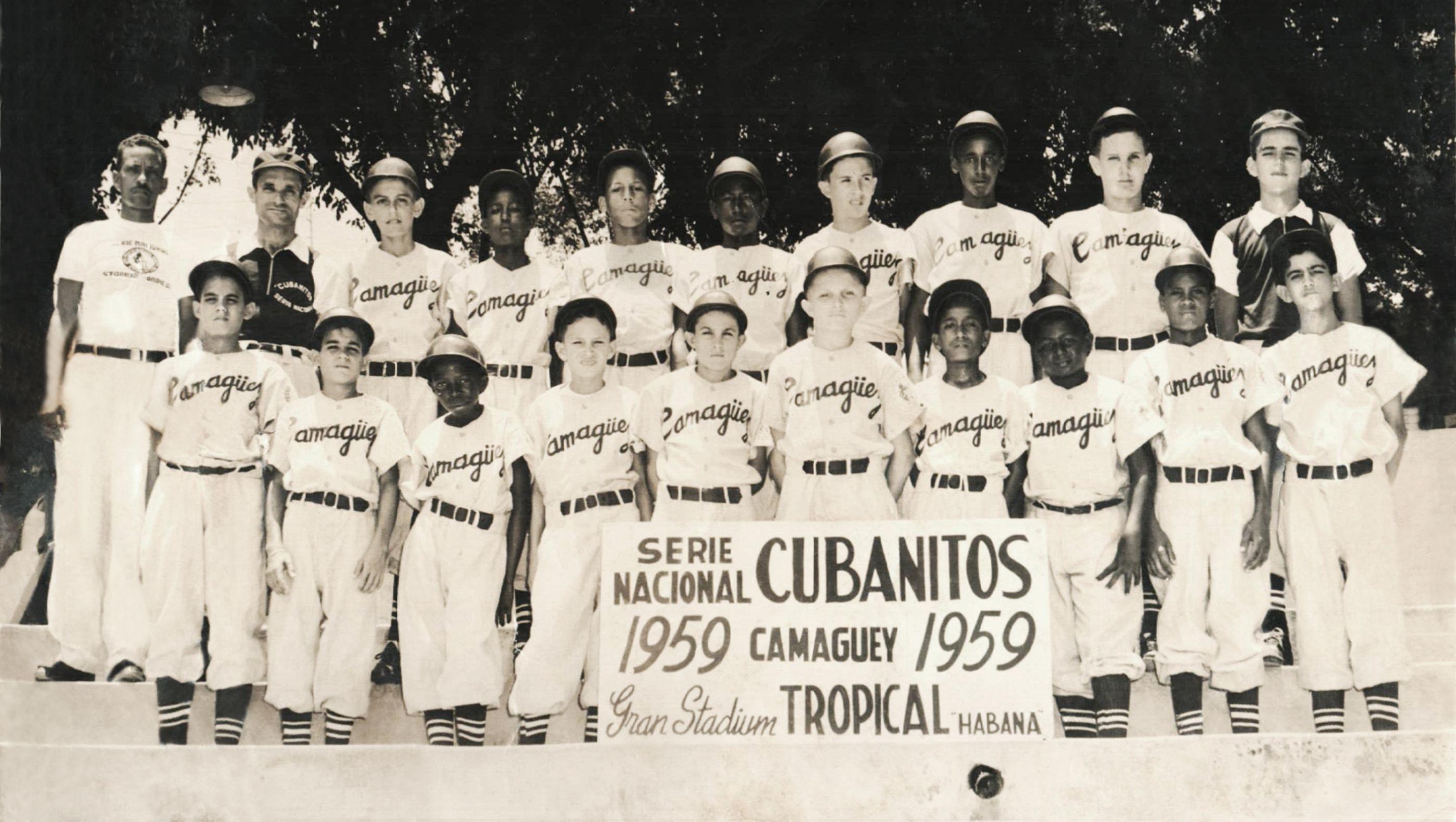 Equipo Banco Pedroso que ganó la Serie Nacional Cubanitos en 1959. Foto: Cortesía de Rafael Rosendiz