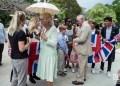 El Príncipe Carlos de Inglaterra y su esposa Camila, duquesa de Cornualles, saludan a la comunidad británica en Cuba durante una visita al parque de 17 y 6 en el Vedado, La Habana, el 26 de marzo de 2019. Foto: Otmaro Rodríguez.