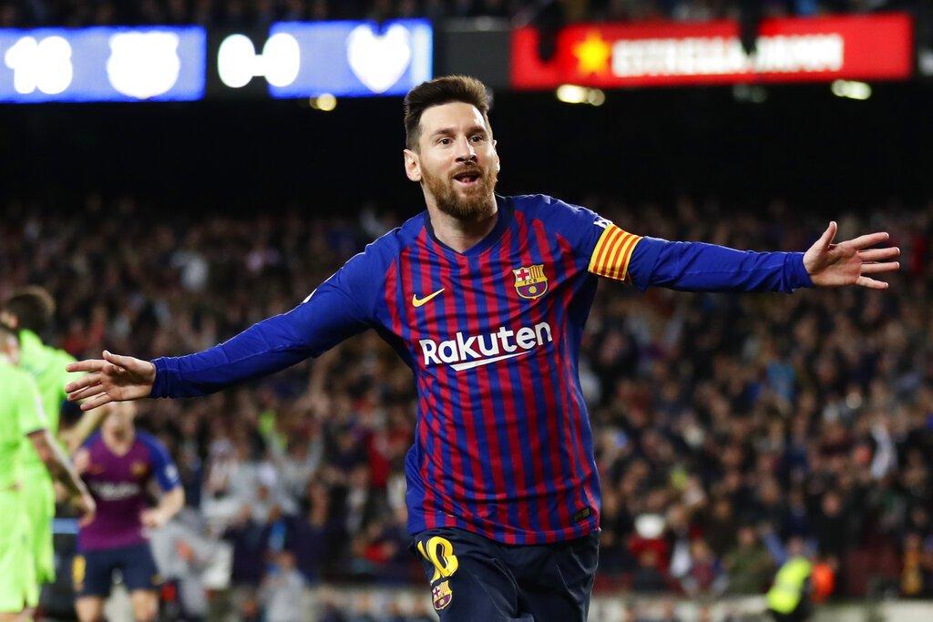 Lionel Messi festeja tras anotar el gol del Barcelona en la victoria 1-0 ante Levante en la Liga española, el sábado 27 de abril de 2019. Foto: Manu Fernández / AP.
