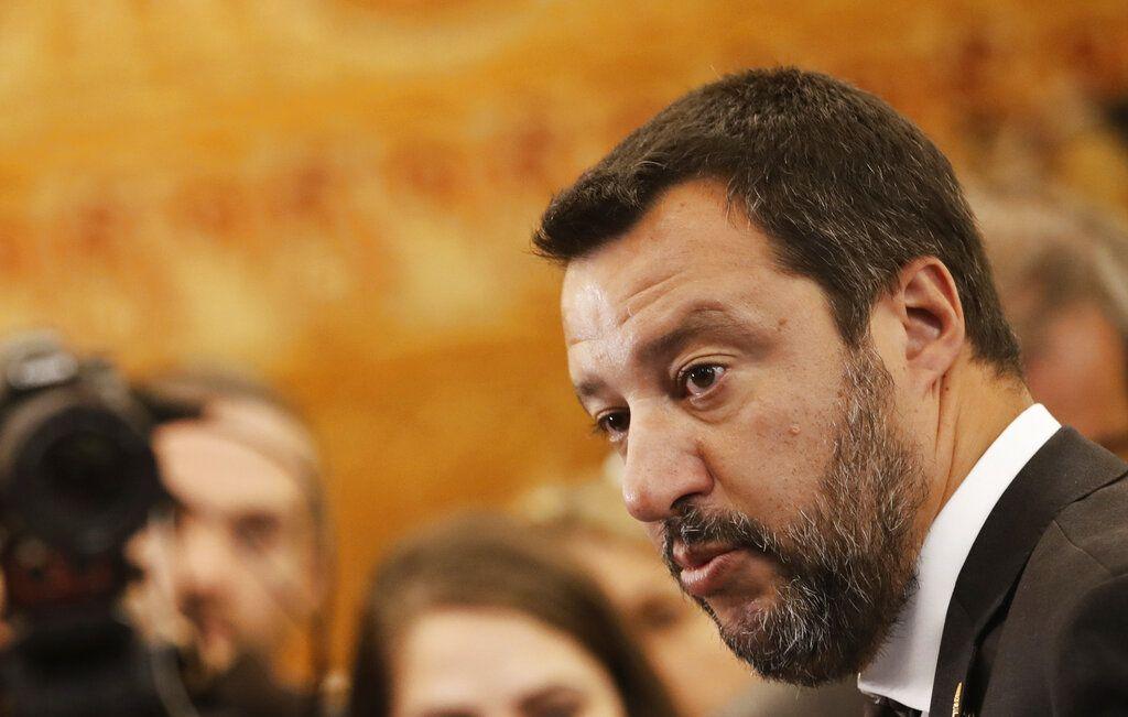 El ministro italiano del Interior, Matteo Salvini, responde a la prensa en la reunión de ministros del Interior del G7 en París, el viernes 5 de abril de 2019. Foto: Christophe Ena / AP.