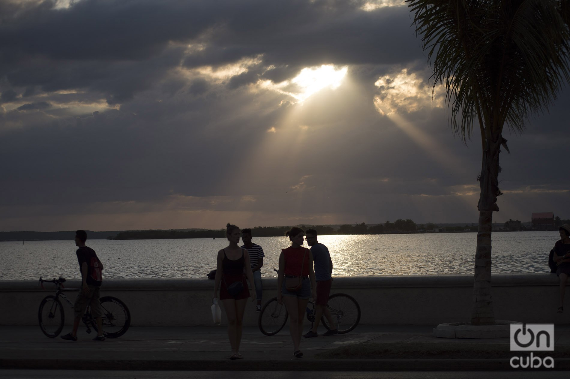 Malecón de Cienfuegos. Foto: Otmaro Rodríguez.