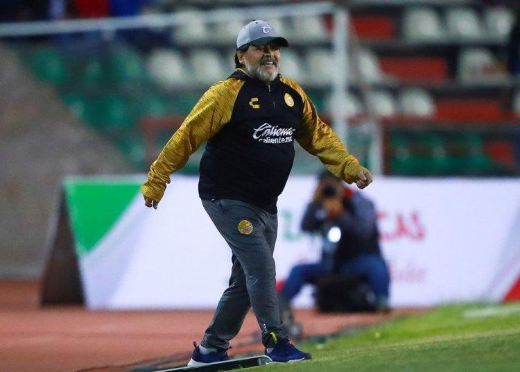 El ex astro del fútbol Diego Armando Maradona y sus Dorados de Sinaloa llegaron a su segunda final consecutiva del torneo Clausura de la segunda división de México. Foto: @SC_ESPN / Twitter.