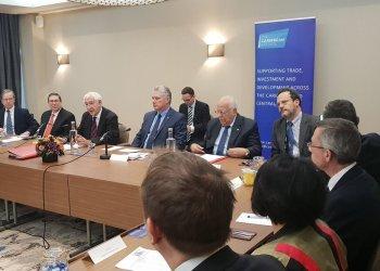 Encuentro de empresarios británicos con el presidente cubano Miguel Díaz-Canel y su delegación, durante su visita a Londres en noviembre de 2018. Foto: @CubaMinrex / Twitter / Archivo.