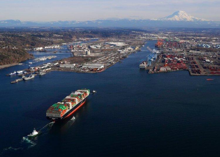 La actividad en el puerto de Tacoma en el estado de Washington el 5 de marzo del 2019. Los aranceles del presidente Donald Trump van en aumento y podrían amenazar seriamente a la economía estadounidense Foto: Ted S. Warren / AP / Archivo.