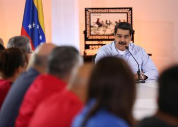 """Foto: El presidente de Venezuela Nicolás Maduro, reiteró este lunes que un grupo de representantes de su Gobierno se encuentra en Oslo, Noruega, para conversar """"todos los temas"""" con """"la oposición extremista"""" en un nuevo intento de diálogo político para buscar salidas a la crisis del país. Foto: Prensa de Miraflores/EFE."""