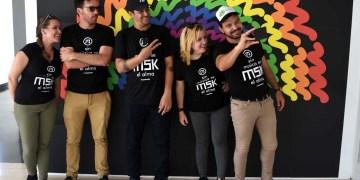 Cinco de los integrantes del emprendimiento MSK. De izquierda a derecha: Gretel Garlobo, Michel Hernández, Gilberto Grave de Peralta, Mirsa Martínez y Dayron Avello. Foto: Otmaro Rodríguez.