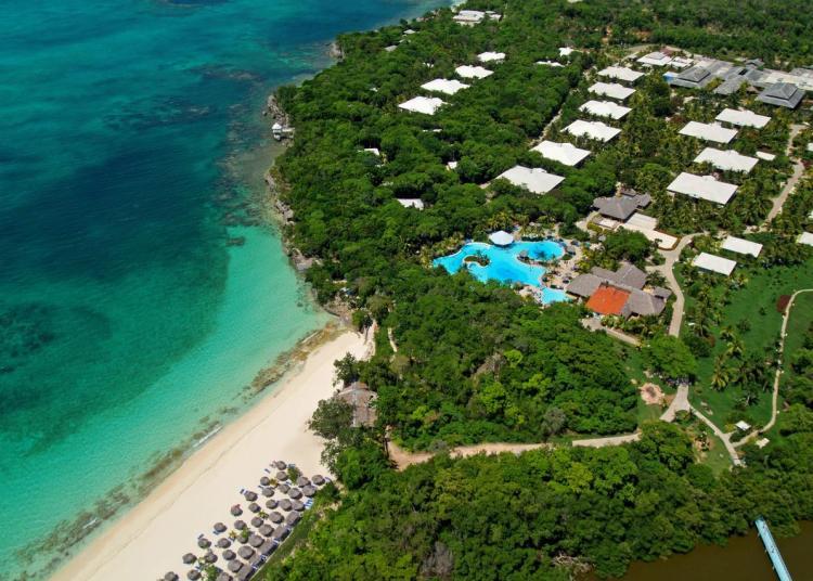 Paradisus Río de Oro All Inclusive Hotel está situado en la playa Esmeralda, a 5 km de Guardalavaca, Holguín. Foto: bthetravelbrand.com.