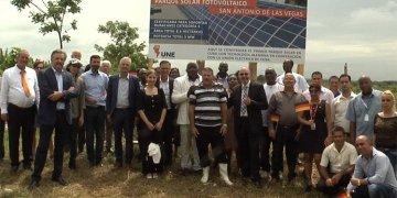 Inauguración del primer parque solar de la empresa alemana EFF Solar SA en Cuba. Foto: Prensa Latina.