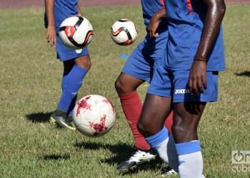 Entrenamiento de la selección cubana de fútbol para la Copa de Oro 2019. Foto: Otmaro Rodríguez / Archivo.