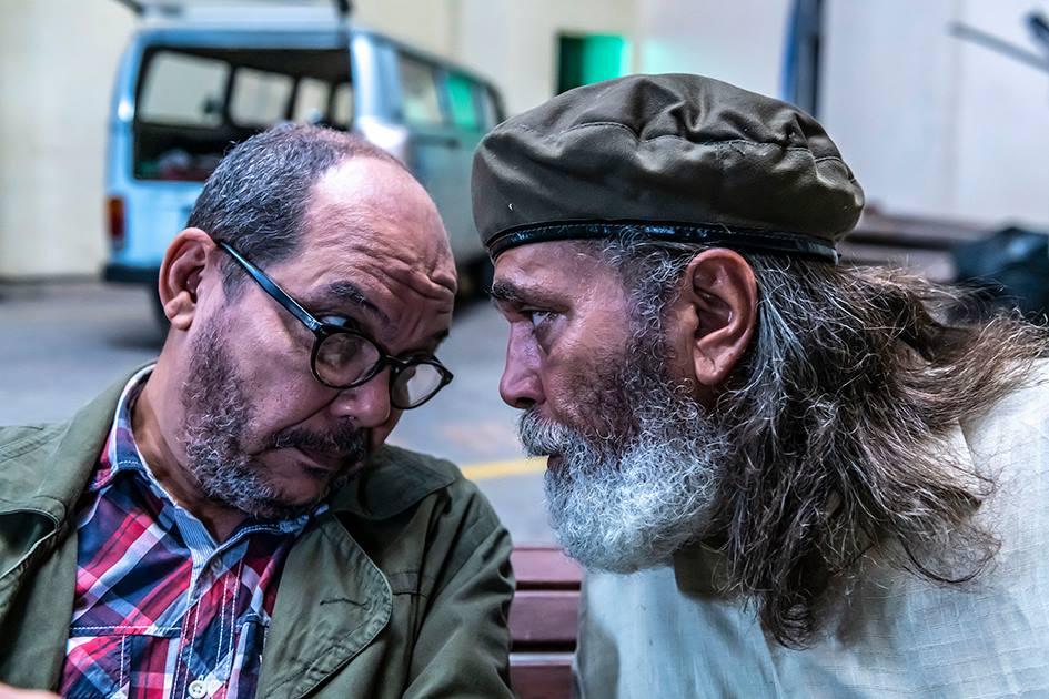 """Fotograma del cortometraje """"Dos veteranos"""", de Eduardo del Llano. En la imagen, los actores Néstor Jiménez (Rodríguez) y Luis Alberto García (Nicanor)."""