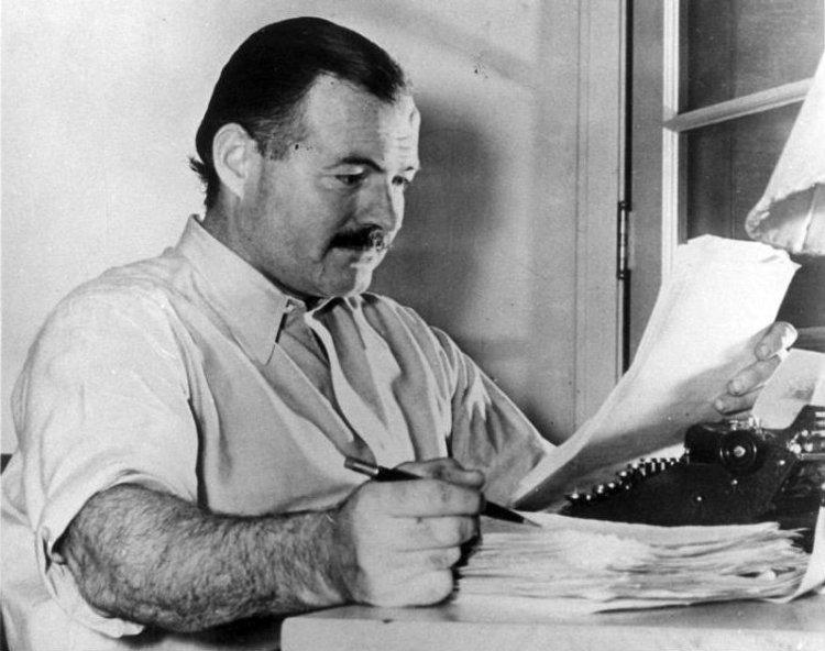 Ernest Hemingway en los años 30. Foto: Toronto History / Flickr.