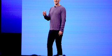 El director general de Facebook, Mark Zuckerberg, durante una conferencia de programadores de Facebook en San Jose, California, abril de 2019.  Foto: Tony Avelar/ AP.
