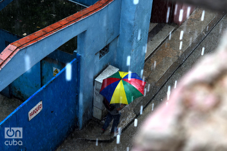 Lluvia en La Habana. Foto: Otmaro Rodríguez.