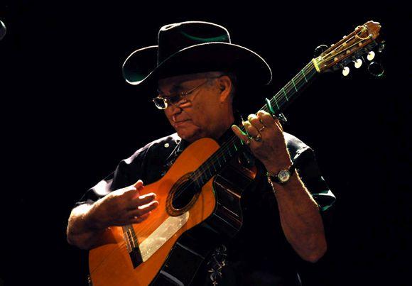 Eliades Ochoa. Foto: Cubamusic.com