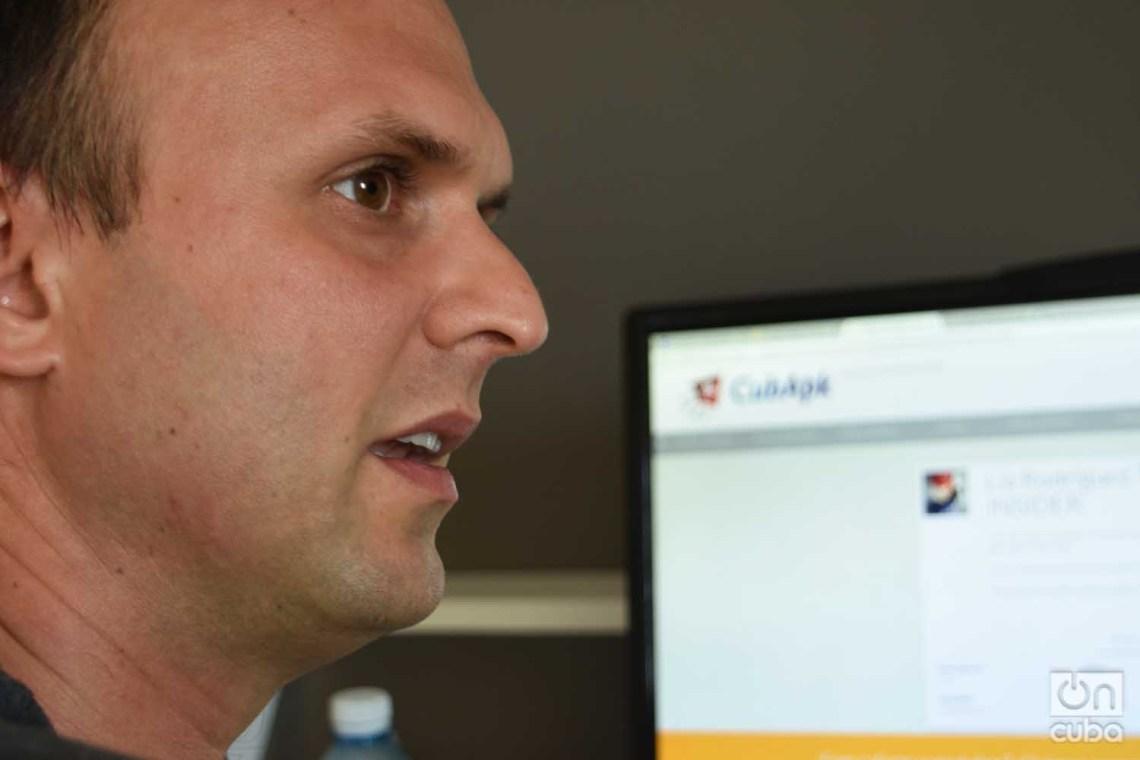 Raúl Pérez-Alejo, creador de la app youCUbers y del sitio CubApk. Foto: Otmaro Rodríguez.