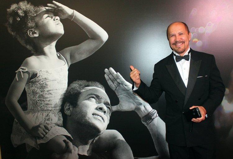 """Héctor Noas, protagonista de la película cubana """"Sergio y Serguéi"""" en la presentación del filme en Moscú, Rusia."""