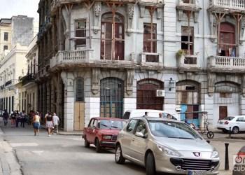 Cuba venderá autos en dólares con un descuento del 10% de su precio de venta actual en CUC. Foto: Otmaro Rodríguez / Archivo.