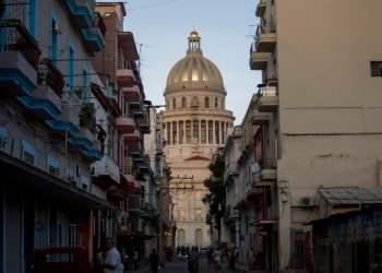 El Capitolio de La Habana, sede de la Asamblea Nacional de Cuba. Foto: Ismael Francisco / AP / Archivo.