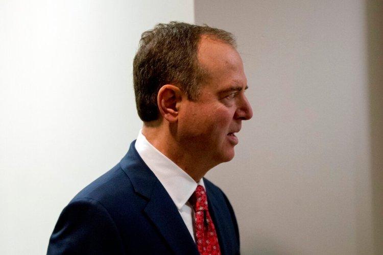 El presidente de la Comisión de Inteligencia de la Cámara de Representantes, el demócrata Adam Schiff, en la sede del Congreso en Washington el 5 de noviembre del 2019. Foto: Andrew Harnik / AP.
