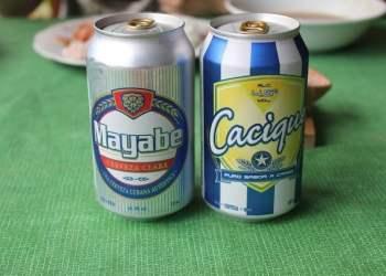 Las cervezas cubanas Mayabe y Cacique, dos de las más baratas y demandadas en Cuba. Foto: todocuba.org