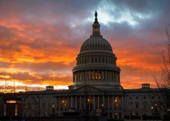 Los republicanos tienen grandes esperanzas de usar la campaña de la Cámara de Representantes para destituir al presidente Donald Trump para derrotar a los demócratas en los distritos indecisos, repletos de votantes moderados. (Foto AP/J. Scott Applewhite, Archivo)