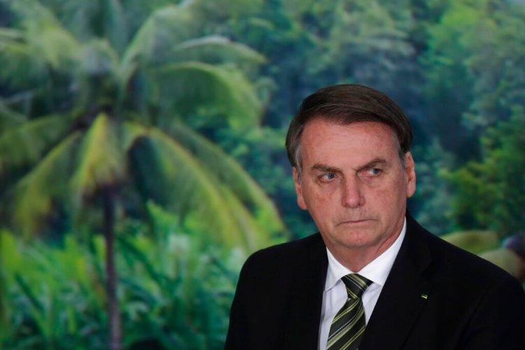 En esta imagen del 1 de octubre de 2019, el presidente de Brasil, Jair Bolsonaro, durante una ceremonia para presentar un programa agrícola en el palacio presidencial de Planalto, en Brasilia, Brasil. Foto: AP/Eraldo Peres/ Archivo