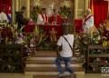 Cubanos demuestran su devoción a Santa Bárbara en La Habana, en su día, el 4 de diciembre de 2019. Foto: Otmaro Rodríguez.