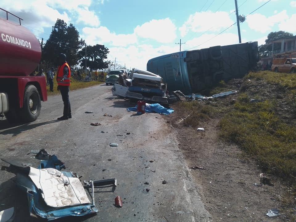 Nuevo accidente masivo en Camagüey deja 18 personas lesionadas y una fallecida