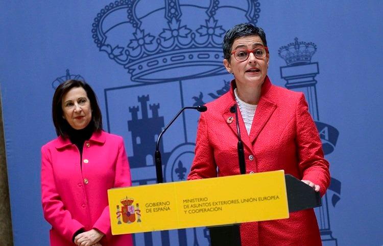 Las ministras españolas de Exteriores y Defensa, Arancha González Laya (d) y Margarita Robles. Foto: thediplomatinspain.com