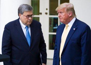 En esta imagen de archivo, el secretario de Justicia William Barr y el presidente Donald Trump después de una conferencia de prensa en la Casa Blanca, en Washington. Foto: Alex Brandon / AP / Archivo.