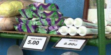 Productos de aseo a la venta en Cuba. Foto: escambray.cu / Archivo.