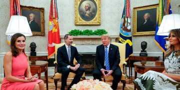El rey Felipe VI y la reina Letizia fueron recibidos en la Casa Blanca por Donald Trump y Melania en 2018. Foto: RTVE.