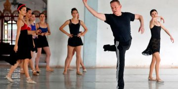 Richard-Dickinson-Prodanza-Verb-Ballets