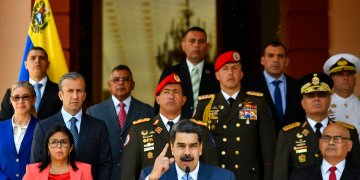 El presidente venezolano Nicolás Maduro habla en una conferencia de prensa en el Palacio Presidencial de Miraflores en Caracas, Venezuela, el jueves 12 de marzo de 2020. Foto: AP Foto/Matías Delacroix.